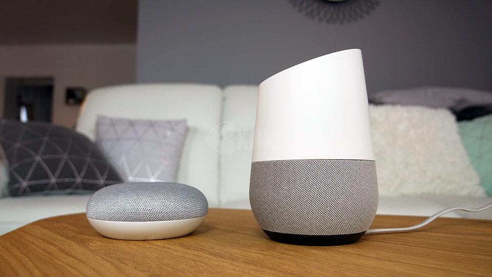 google home home mini en test vid o ok google s 39 invite chez vous bxnxg actualit bons. Black Bedroom Furniture Sets. Home Design Ideas